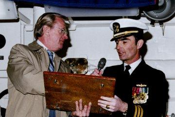 USS Nicholas 449 data plate